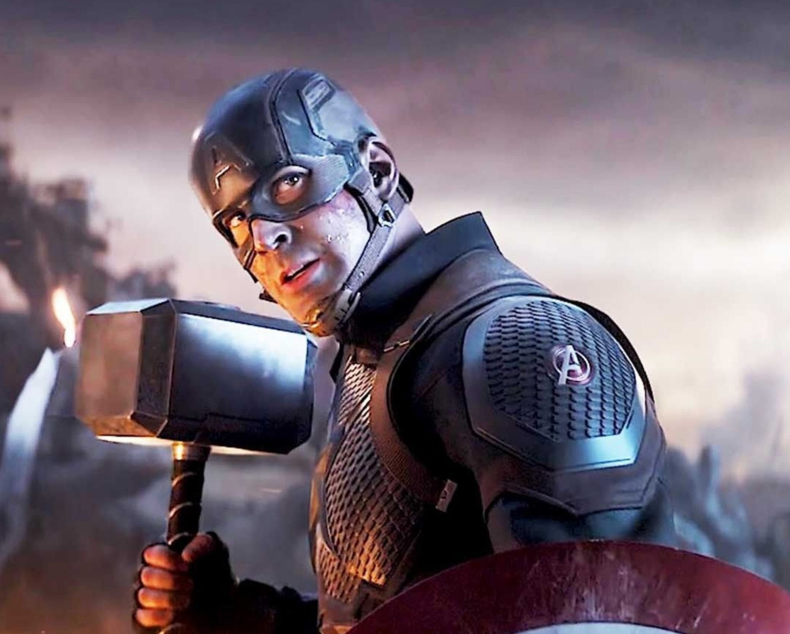 "Chris Evans says it would be too ""risky"" to return as Captain America"